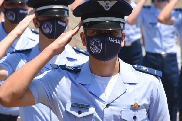 Alunos do Esquadrão Anhur prestaram juramento à Bandeira Nacional e o compromisso ao Código de Honra da Escola Preparatória de Cadetes do Ar