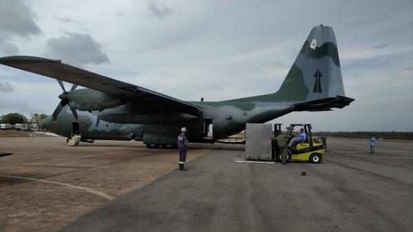 Um C-130 Hércules transportou máquinas e equipamentos para Macapá (AP) após danos causados por incêndio em subestação de energia elétrica