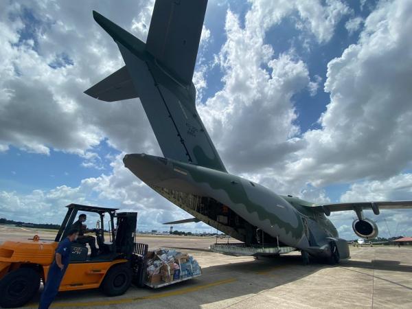 As aeronaves KC-390 Millennium e C-130 Hércules cumprem missões na Operação Amapá, desde sexta (06)