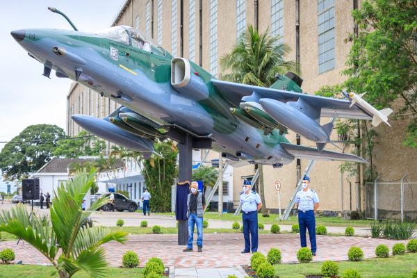 Monumento da aeronave A-1 está localizado na Guarnição de Aeronáutica de Santa Cruz (GUARNAE-SC)