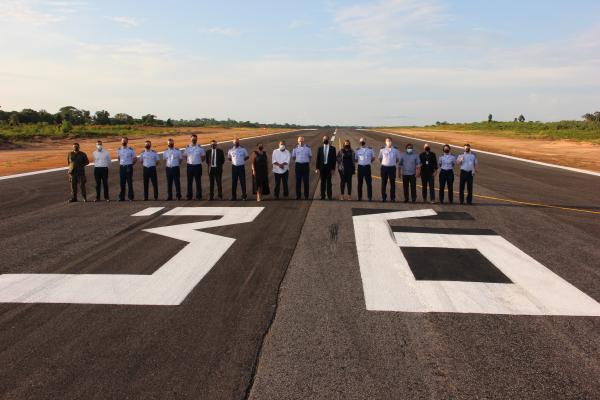 Representantes do EMAER e da Secretaria Nacional de Aviação Civil participaram da solenidade