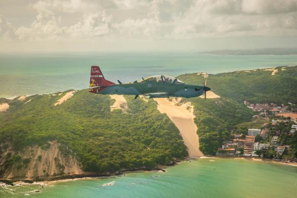 Esquadrão apresentou o adesivo comemorativo da marca de 90 mil horas voadas no A-29 Super Tucano estampado em uma de suas aeronaves
