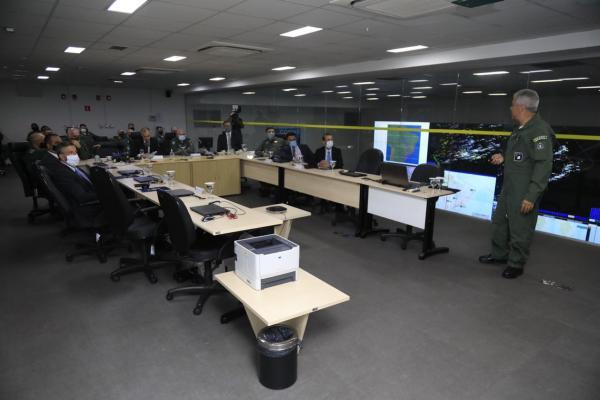 Visita contou com a presença do Comandante da Aeronáutica e de representantes de instituições vinculadas ao Ministério da Justiça