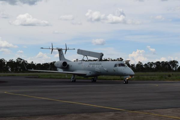 A aeronave decolou de Gavião Peixoto nessa quinta-feira (17) e pousou na Ala 2, em Anápolis (GO)