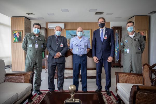 Encontro ocorreu nesta quarta-feira (13), no Comando da Aeronáutica, em Brasília (DF)