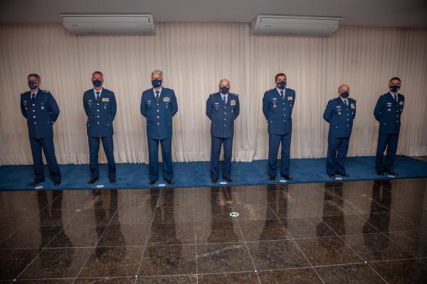 A homenagem destina-se a recompensar oficiais e praças pelos bons serviços prestados à Pátria