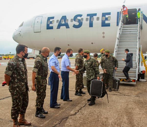 Treinamento nos Estados Unidos contou com o apoio da aeronave KC-390 Millennium, da Força Aérea Brasileira