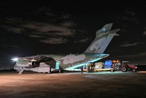 Aeronave transportou aproximadamente 8,4 toneladas da estrutura do Hospital de Campanha do Exército de Manaus (AM) para Canoas (RS)