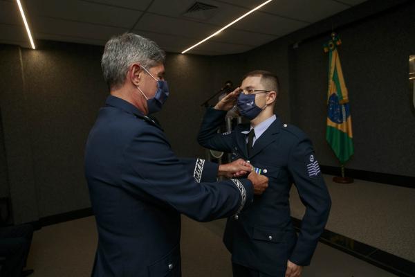 Dia do Especialista, comemorado no dia 25 de março, é marcado por entrega da Medalha Bartolomeu de Gusmão