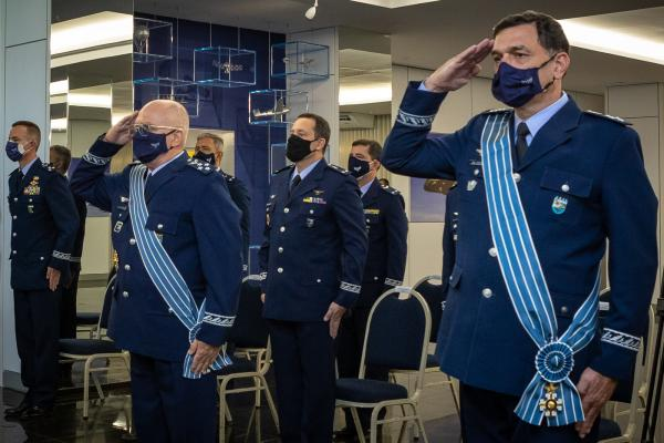 Durante a solenidade, ocorreu ainda a imposição da comenda da Ordem do Mérito Aeronáutico (OMA), ao Tenente-Brigadeiro do Ar José Augusto Crepaldi Affonso