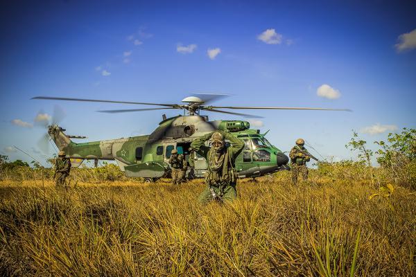 O Primeiro Esquadrão do Oitavo Grupo de Aviação utiliza a aeronave em múltiplas missões de emprego