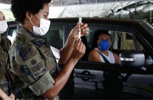 Os postos de vacinação estão localizados no Campo dos Afonsos, no Museu Aeroespacial (MUSAL), e na Ilha do Governador, na Base Aérea do Galeão