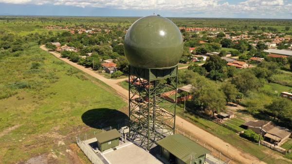 Novo equipamento aumenta a capacidade de vigilância aérea na região de fronteira, permitindo o aprimoramento do Controle do Espaço Aéreo