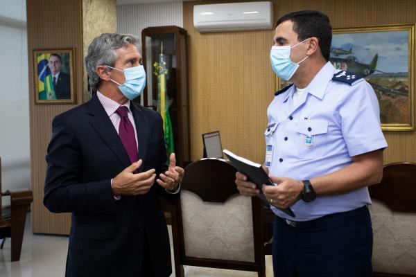Encontro ocorreu na tarde desta segunda-feira (17), no Comando da Aeronáutica, em Brasília (DF)