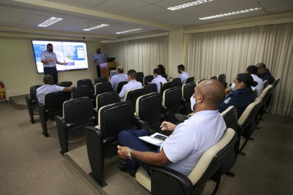 Versão da Rede de Meteorologia do Comando da Aeronáutica (REDEMET) foi lançada em 23 de março, no Dia Mundial da Meteorologia. Durante reunião, pilotos do GEIV apresentaram elogios e sugestões de melhorias
