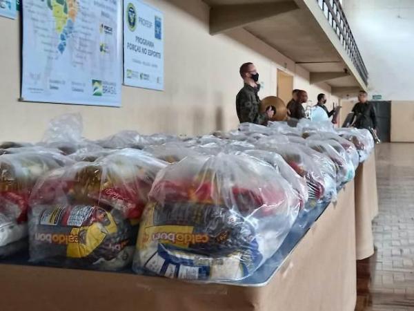 Em combate ao desperdício, a Guarnição de Aeronáutica de Santa Cruz realiza doação de refeições. Já a Base Aérea de Santa Maria realiza a doação de kits de alimentos para os beneficiários do PROFESP