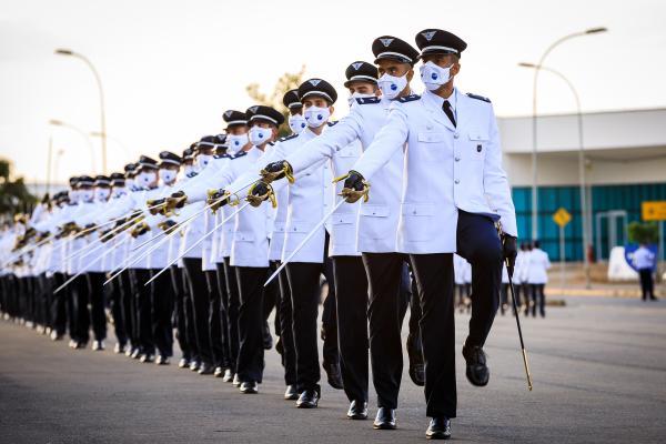A Turma de 2021 é formada por médicos, dentistas, farmacêuticos, engenheiros, capelães, além de Oficiais de Apoio. Os militares atuarão em diversas Organizações Militares da Força Aérea Brasileira por todo o País
