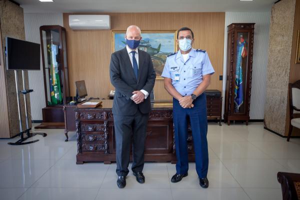 Visita ocorreu em Brasília (DF) e tratou de assuntos estratégicos para a Força Aérea Brasileira