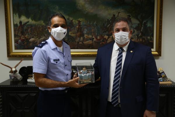Deputado Estadual Eriberto Medeiros foi recebido pelo Comandante do Comando Aéreo Nordeste, Brigadeiro do Ar Cesar Faria Guimarães