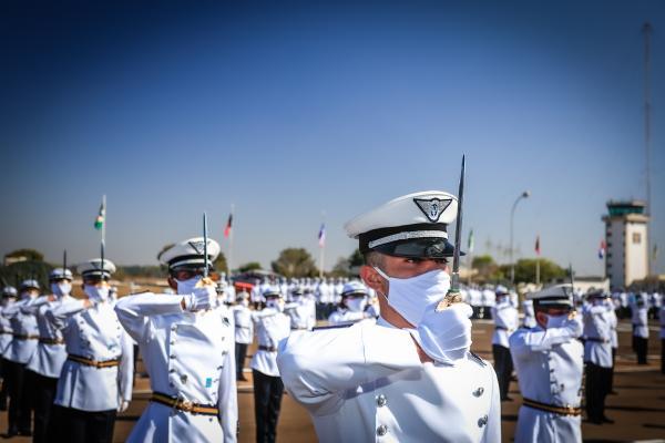 Turma Árion é composta por 138 Cadetes Aviadores, 42 Intendentes, 22 de Infantaria, além de três Cadetes Aviadores estrangeiros