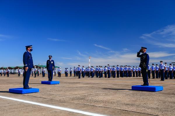 Na solenidade, que ocorreu nesta quarta-feira (14), também houve o ato de transmissão de subordinação da Base Aérea de Campo Grande ao Comando de Preparo