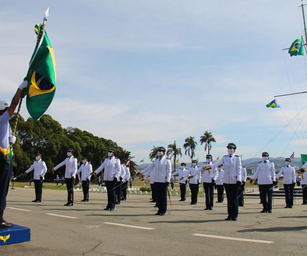 Na ocasião, ocorreram homenagens ao Graduado e Praça-Padrão