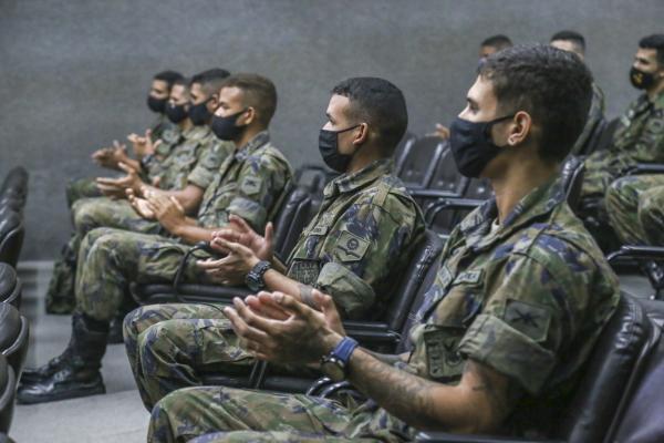 Previsão é de que programa para capacitação de militares forme mais três turmas este ano, em parceria com a Federação das Indústrias do Estado de Pernambuco (FIEPE)