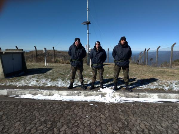 Na madrugada desta quinta-feira (29), atemperatura noDestacamento de Controle do Espaço Aéreo do Morro da Igreja (DTCEA-MDI), em Santa Catarina (SC), chegou a -8,5°C