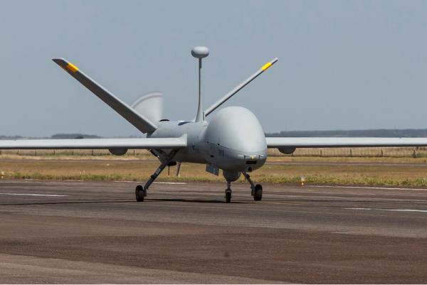 As decolagens ocorrem na Serra do Cachimbo, em Novo Progresso (PA), com controle e coordenação tática, de forma remota, de Brasília (DF)