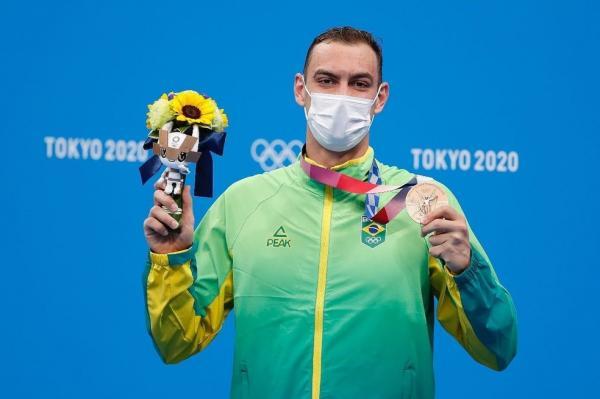 Militar do Exército, Fernando Scheffer conquistou a medalha de bronze nos Jogos Olímpicos de Tóquio 2020 e quebrou o recorde Sul-Americano dos 200 metros