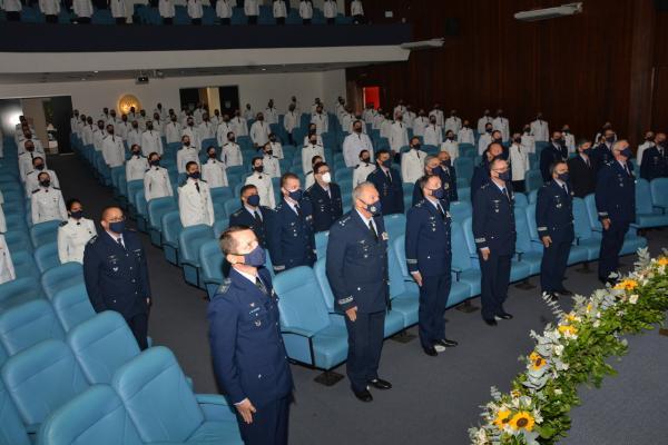 Cerimônia de diplomação da primeira turma de 2021 do Curso de Aperfeiçoamento de Oficiais da Aeronáutica foi realizada no dia 30 de julho