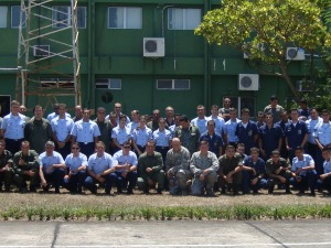 FOTO TIRADA COM OS MILITARES DA USAF