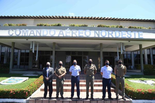 Durante o encontro, militares trataram sobre atuação da Força Aérea Brasileira no Nordeste e da PM no estado pernambucano