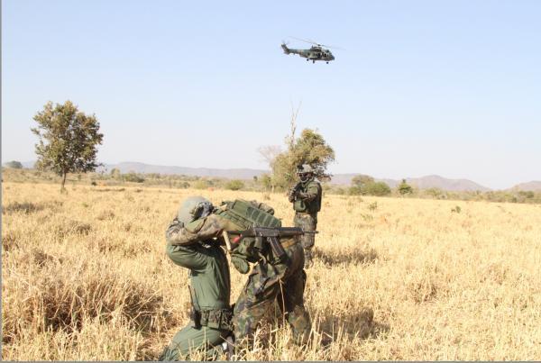 Primeiros pousos e decolagens do treinamento que simula guerra irregular tiveram o objetivo de nivelamento entre esquadrões e integração dos quase 900 militares envolvidos