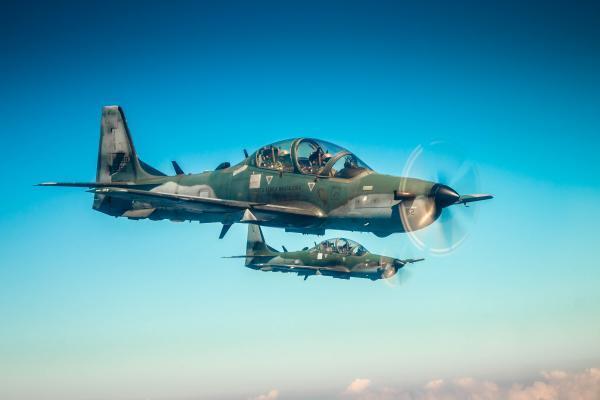Durante três semanas, os futuros pilotos de caça da Força Aérea Brasileira (FAB) aprenderão as técnicas para emprego da aeronave A-29 Super Tucano contra alvos aéreos