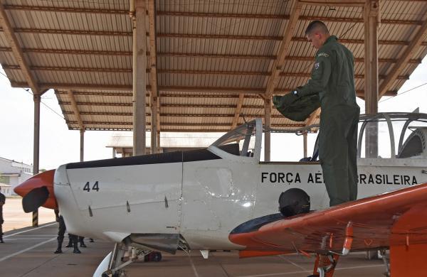 Voo solo é um dos momentos mais marcantes na vida do piloto militar