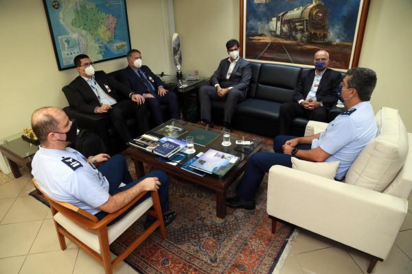 O encontro teve como objetivo a busca de alternativas a fim de mitigar o problema do barulho relatado pelos moradores da região