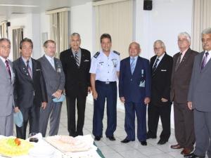 Diretor do Hospital e o Batalhão de Suez